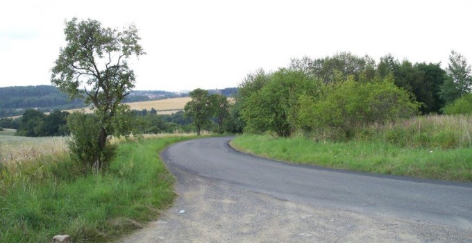 Straßen_Radweg