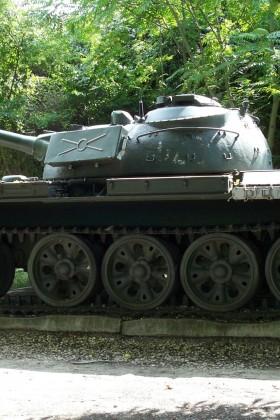 KomáromFortMonostor_PanzerAufDem…Ähm_resized